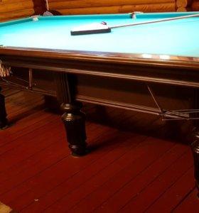 Бильярдный стол, кий, лампы, шары