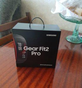 Умный спортивный браслет Gear Fit2 Pro