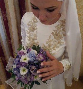 Очень красивое платье на никах