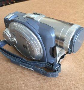 Видеокамера Panasonic VDR-M70