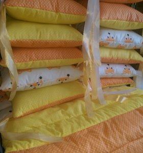 Бортики в кроватку 12 шт .