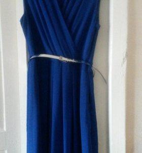 Платье синего цвета. Ни разу не надето. Р46-48