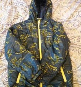Демисезонная куртка для мальчика 122 р