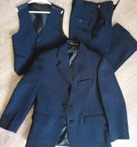 Школьный костюм тройка+рубашка