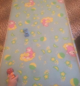 Детский матрас в кроватку.