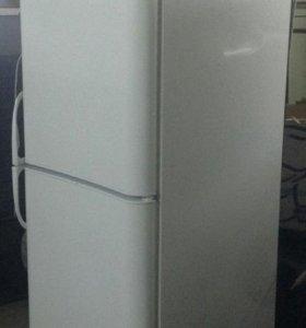 """Двухкомпрессорный холодильник Indesit """"С236NFG"""""""