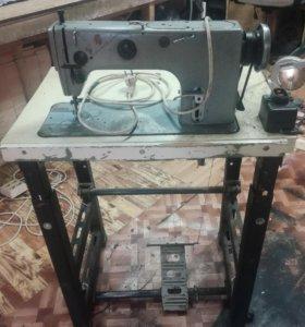 Швейная машина 1022