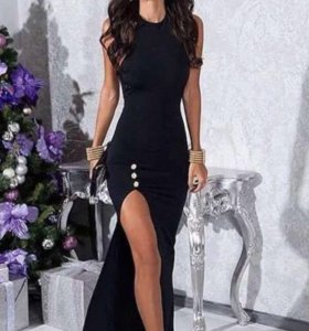 Платье со шлейфом Мира Сезар