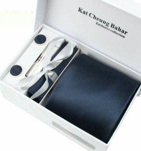 Галстук+запонки+зажим+платок в подарочной коробке