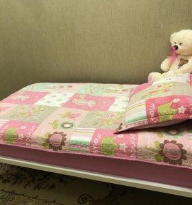 Детская кроватка для девочки.