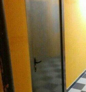 Дверь металлическая из новостройки.