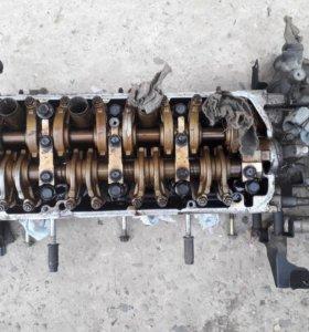 Головка двигателя.всасывающий колектор.датчики