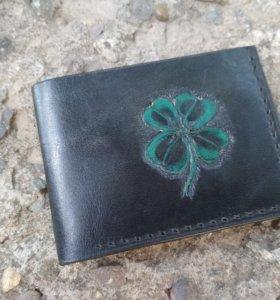 """Кожаный кошелек (бумажник) """"Клевер"""""""