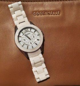 Часы Fossil женские