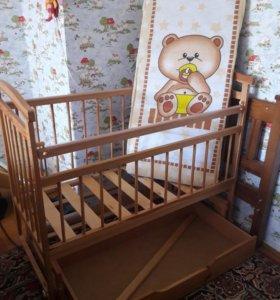 Детская кроватка+матрас.