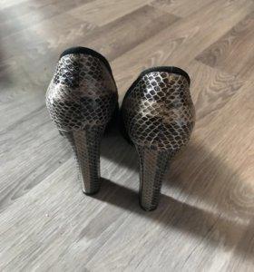Туфли новые ,замша натуральная