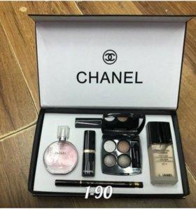Подарочный набор от Chanel