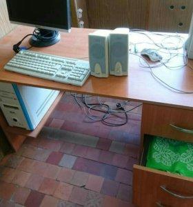Письменный стол,2 штуки
