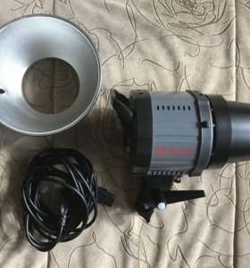 Осветитель Falcon Eyes QL-1000