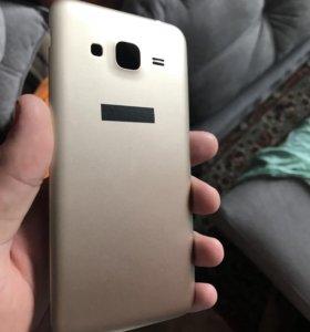 Задняя крышка на Samsung J3 2016