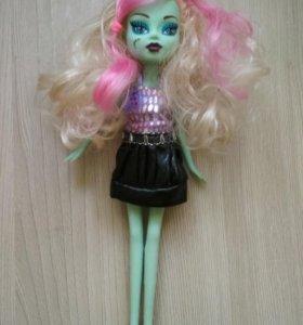 Куклы монстр-хай и доктор Плюшева