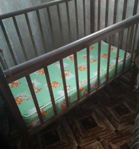 Продам детскую кроватку+матрас.PS(есть бортики)