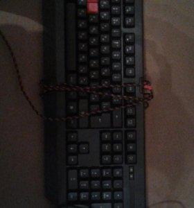 Клавиатура Bloody.