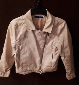 Куртка короткая на девочку 8- 10 лет из кожзама