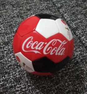 Футбольный мяч Coca-Cola 2018