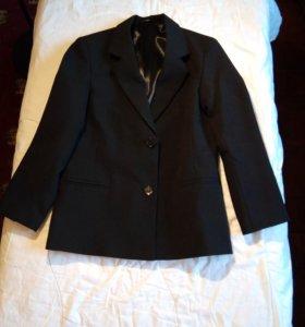 Пиджак на мальчика. Рост 122 - 128. Чёрный.