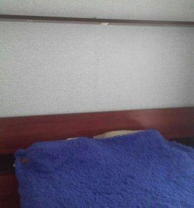 Кровать с матрасом,2 тумбочки полка