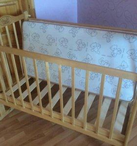 Детская кроватка  + матрас в подарок! !!