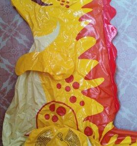 Надувной водный дракон высотой 1,2 см.