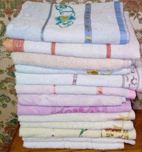 Полотенца банные, постельное белье, накидка д/ново
