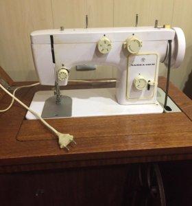 Швейная машина «Чайка - 142М»
