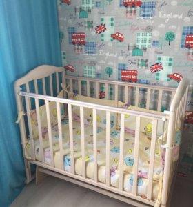 Детская кроватка, матрас, набор постельный