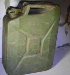 Канистра под ГСМ Kraftstoff