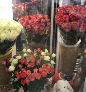 Требуется продавец - флорист