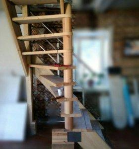 Лестница деревянная.