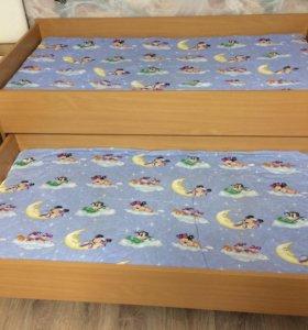 Двух ярусная кровать выкатная с матрацами