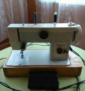 Абсолютно новая Швейная Машинка Чайка 134