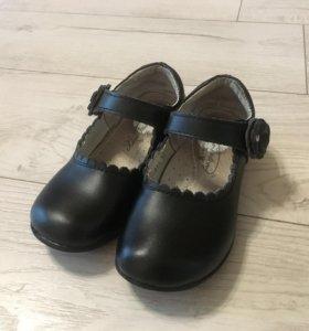 Туфли чёрные 31 размера
