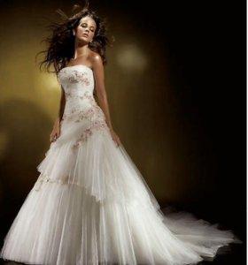 Свадебное платье Benjamin Roberts 911