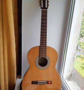 Гитара б/у