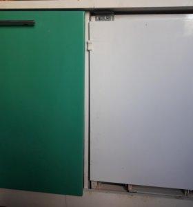 Встроенный холодильник и морозилка