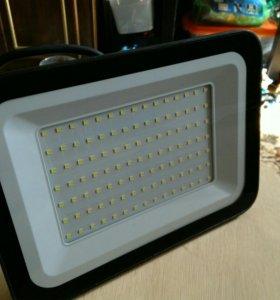 Прожектор светодиодный 100Вт.