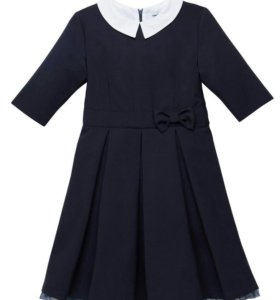 Продам школьное платье р.152