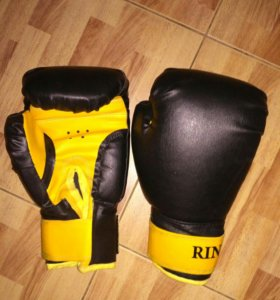 Перчатки боксёрские черные
