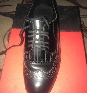 Туфли кожаные Pierre Cardin