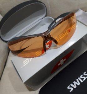 Стрелковые очки со сменными стеклами.